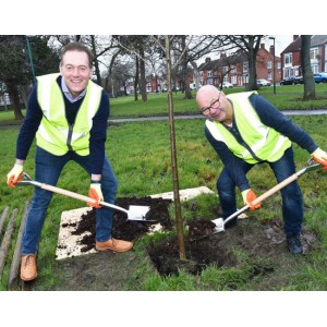 Mayor Andy Preston (L) and Councillor Dennis McCabe (R) plant a tree at Ayresome Gardens (Image: Northern Echo)